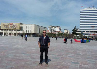 Terveisiä Tiranasta!